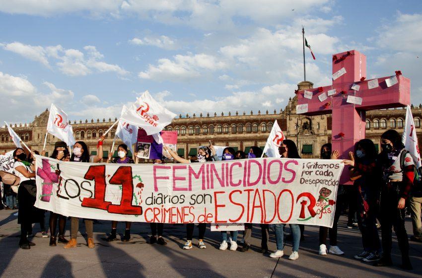 Crónica: Represión en la marcha por el 25N para la eliminación de la violencia en contra de la mujer