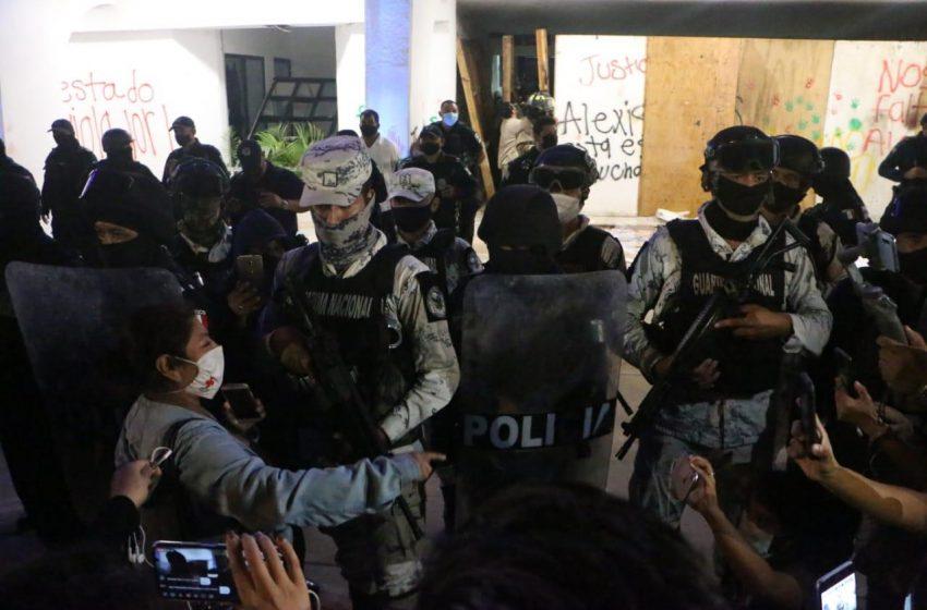 Policía de Cancún dispara contra manifestación Feminista