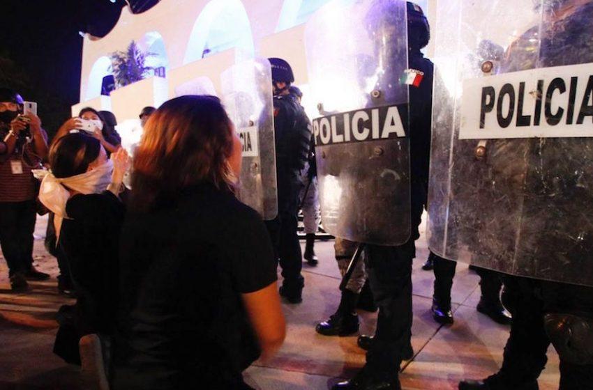 Policías ABUSARON SEXUALMENTE de las detenidas tras manifestación en Cancún