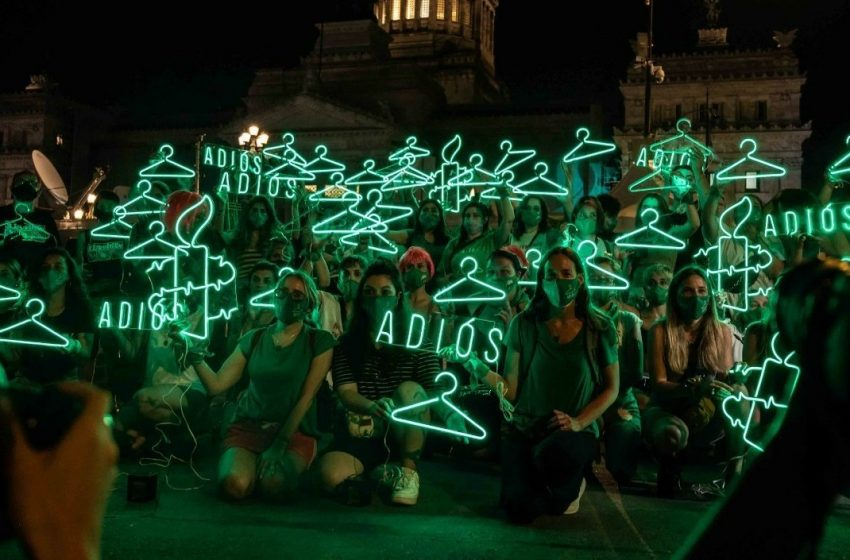 Triunfo de La Marea Verde en Argentina: despenalización del aborto