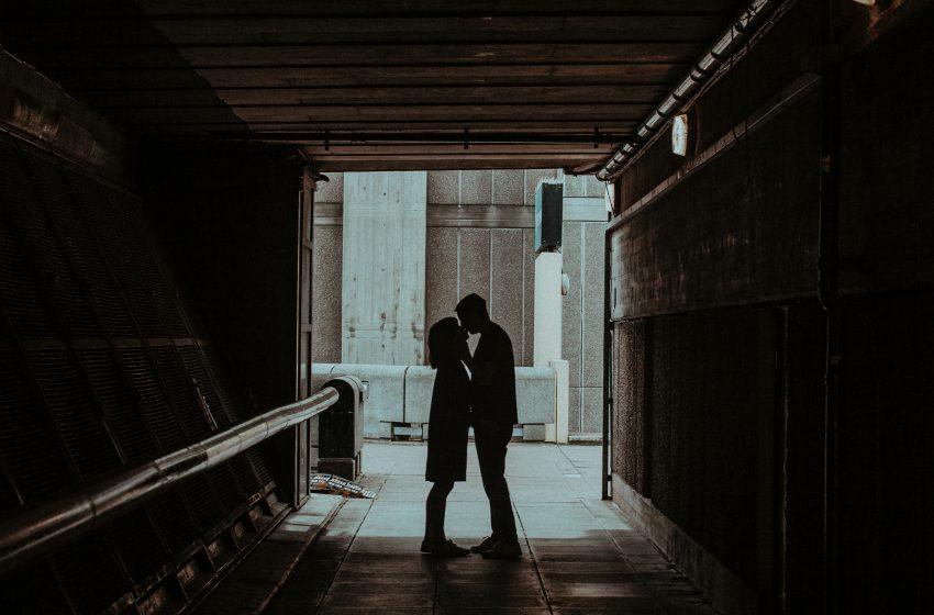 Deconstruir al amor romántico