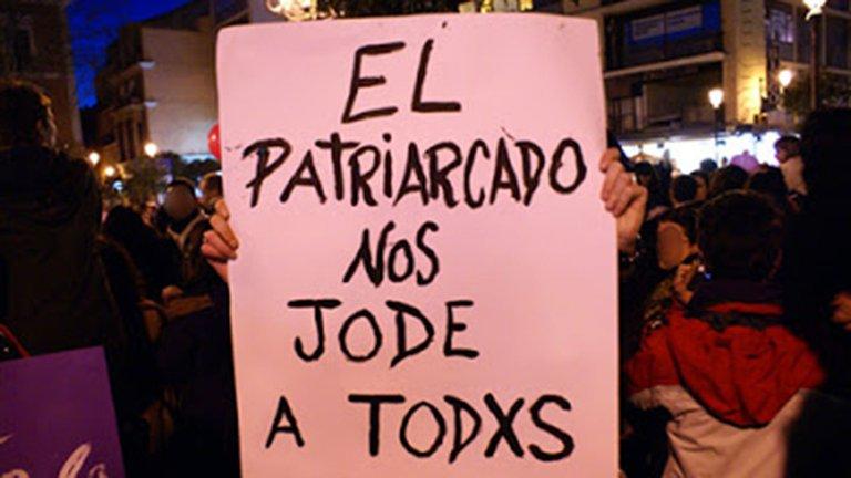 Mujeres protestando