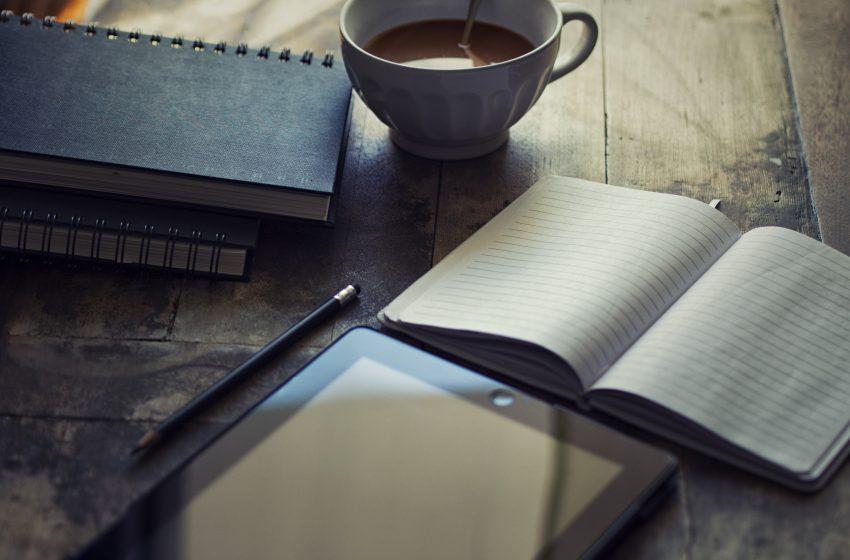 Literatura al alcance de un QR: Convocatoria El Libro Insumiso